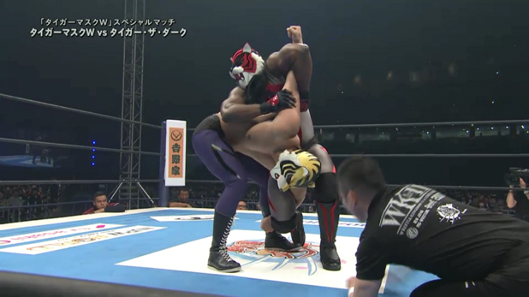 njpw-wrestle-kingdom-11-tiger-mask-w-vs-tiger-the-dark