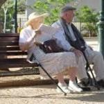 高齢者とは何歳から?独居老人が増加する理由と実態とは?