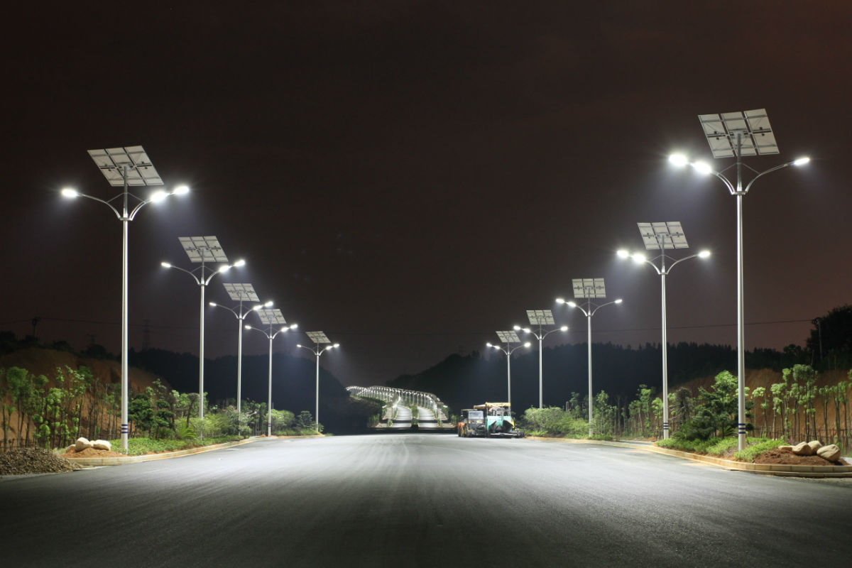 Streetlighting Should States Invest In Solar Smart World