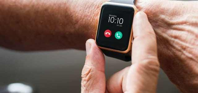 Can a smart wristwatch make calls without using a smartphone?