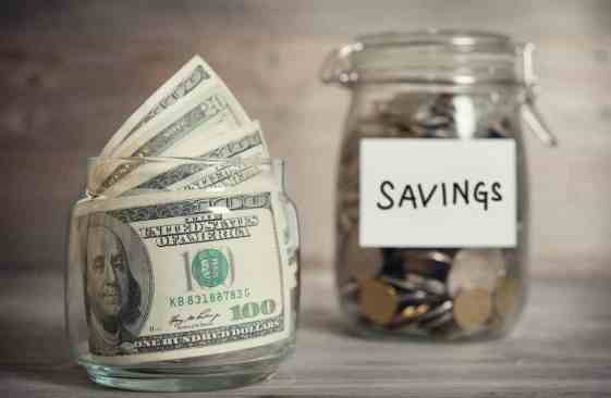 Are you looking to save some money this year? These money saving tips will help you to save over $7000! Here are 8 simple ways to save thousands of dollars this year!