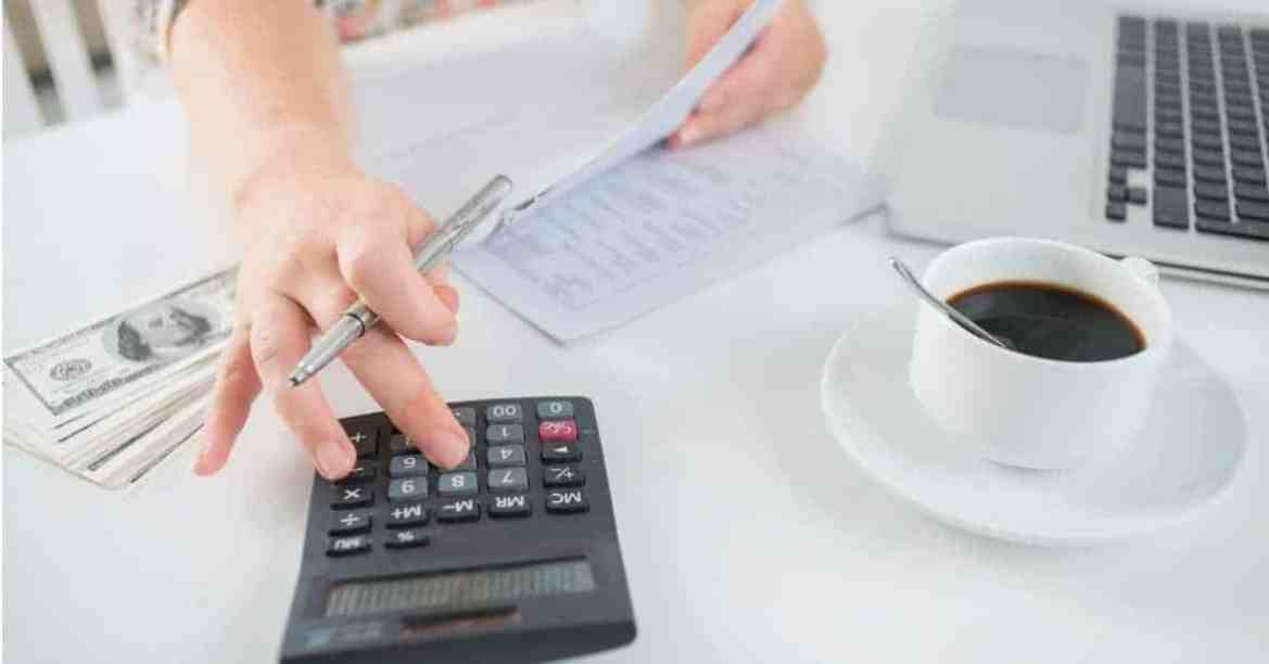 how to save money when you are living paycheck to paycheck