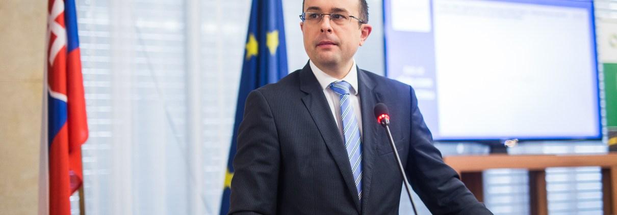 """Vystúpenie Rastislava Chovanca, štátneho tajomníka Ministerstva hospodárstva SR na konferencii """" Slovensko na ceste k Smart Cities """"."""