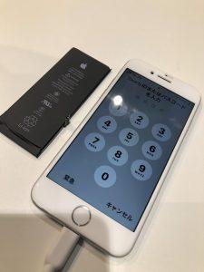 iPhone7とそのバッテリー