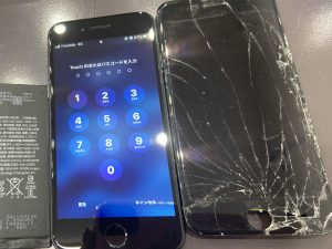 iPhone8画面割れ修理後