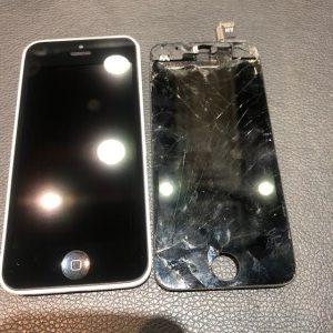 画面交換即日です!iPhone5C の画面交換【岡山市よりお越しのお客様】