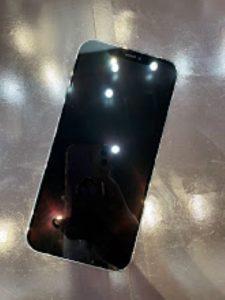 ガラスコーティングをしたiPhone12Pro