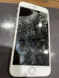画面割れアイフォン6