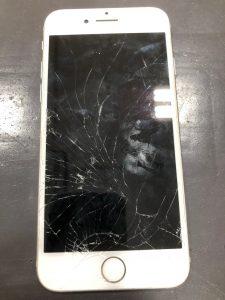 iphone7の画面が割れてしまっています。