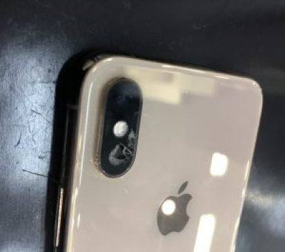 iPhoneカメラレンズ割れ修理