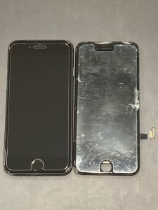 iPhone8 ガラス割れ 画面交換 鈴鹿市