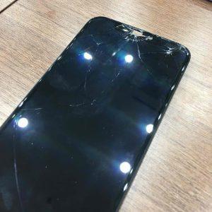 iPhoneXSの画面交換・画面が欠けてしまった・坂出市のお客様