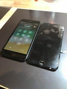 画面交換・iPhone8+高松市のお客様