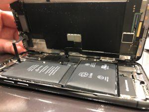 iPhone膨張バッテリー