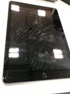 IPAD5画面ガラス割れ
