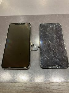 アイフォーンXS 画面割れ修理