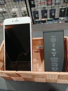 iPhone6SPのバッテリー交換 ガラスコーティング