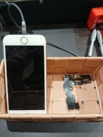 iPhone7 コネクタ交換 充電できない