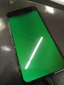 液晶が緑になったiPhoneX