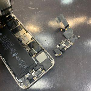 コネクター修理をしたiPhoneSE