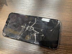 iPhoneXsの画面交換修理