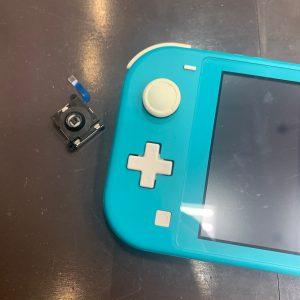 スティックボタンを交換した任天堂SwitchLite