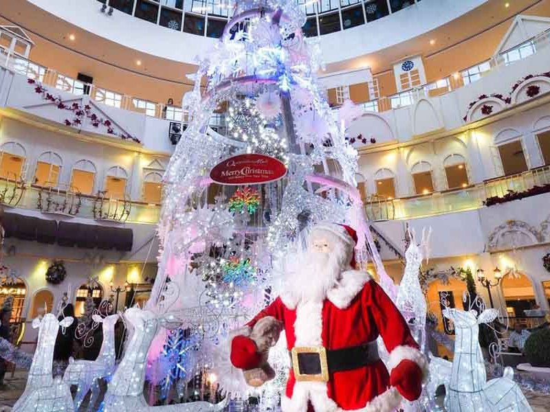 Experience Snowfall White Christmas Queensbay Mall Penang