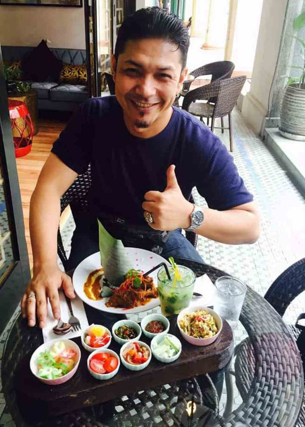 P Ramlee's Lagenda Cafe Malay Cuisine With A Twist Penang_Thumbs Up