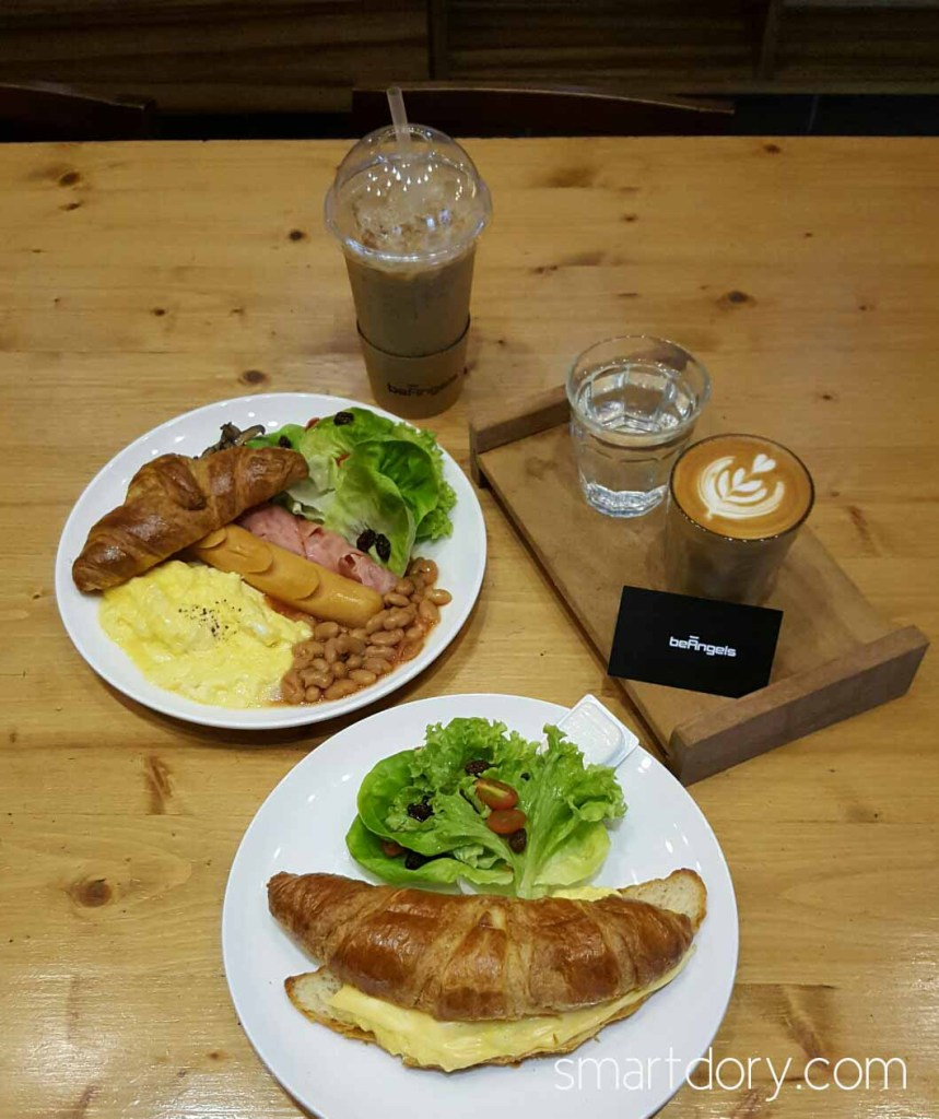 Trendy Cafe Style Western Big Breakfast with Eggs in Penang Beangels