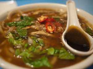 Travel Tips For Eating Laksa in Malaysia & Singapore