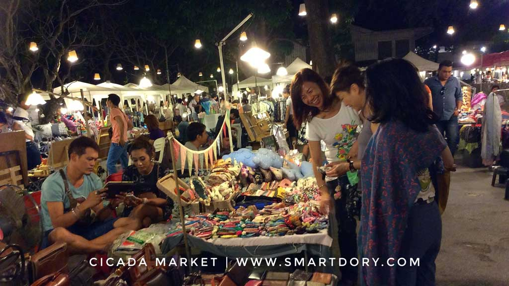 Cicada Market Weekend Night Shopping in Hua Hin