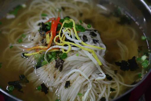 8 Chinese New Year Lucky Foods Symbolism For Prosperity_Longevity Noodles