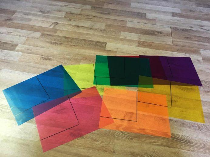 DIY Puzzles: Quadrate Puzzle Schritt 1 Vorzeichnen auf bunten Fotofiltern