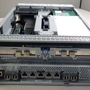 NetApp X3941-R5 111-00359 FAS3040 Motherboard Controller Module