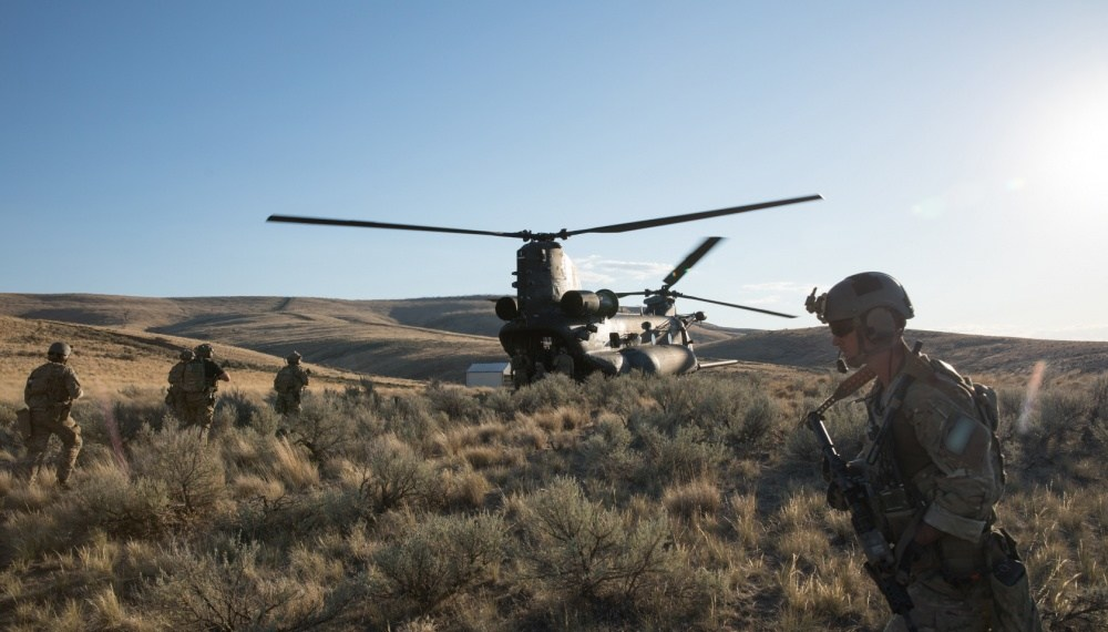 boeing receives 265 million chinook helicopter order from u s army special operations 1