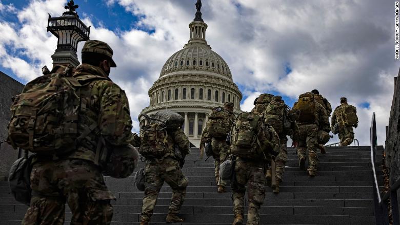 FBI examinando membros da Guarda Nacional envolvidos na proteção do Capitólio dos EUA