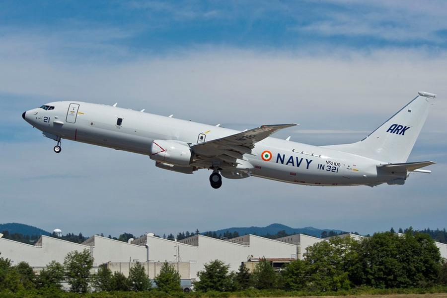 का लंबी दूरी का समुद्री गश्ती विमान बोइंग पी 81 राष्ट्र को समर्पित1