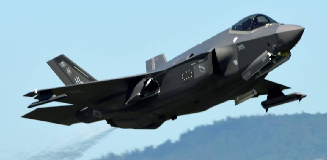 Seleção F-35A Lightning II e Patriot Scoop Switzerland Air 2030