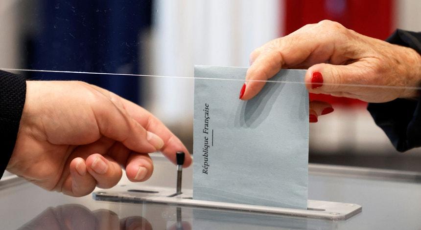 Eleições regionais em França. Abstenção volta a marcar presença