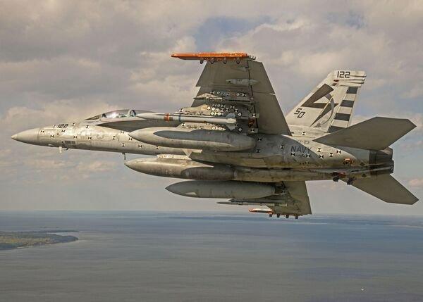 Marinha dos EUA conclui primeiro marco de teste de fogo ao vivo AARGM-ER