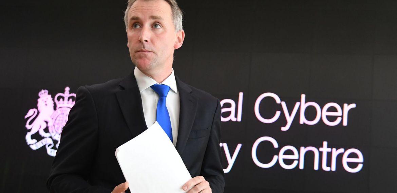 Ciarian Martin alerta que e-mails de Sturgeon podem ser revelados online por estados hostis como o ataque de Clinton na Rússia