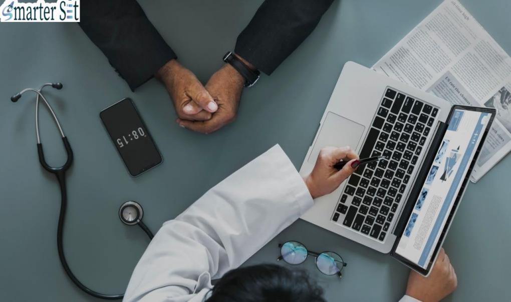 التدوين هو أداة تسويق طبية فعالة عبر الإنترنت وجزء مهم من الموقع الإلكتروني الطبي، فإذا كنت تبحث عن كيف يساعدك موقعك الإلكتروني على التسويق الطبي لعيادتك، فلن تجد أفضل من كتابة مقالات فعالة في مدونة موقعك الطبي لتوسيع تواجدك عبر الإنترنت وتعزيز ممارستك فحسب، و[برفع موضعك في محركات البحث.