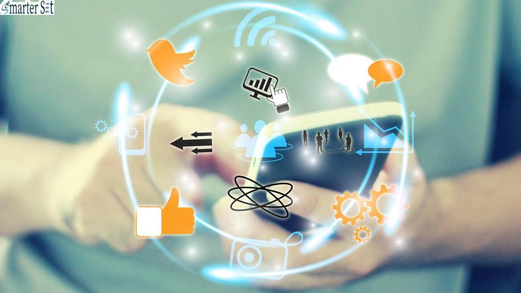 استخدام وسائل التواصل الاجتماعي