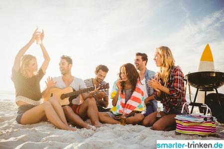 Sommerparty - bei Alkohol auch an Wasser denken