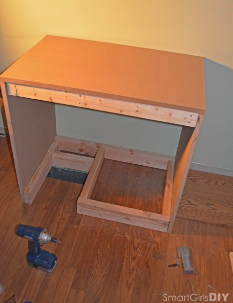 Bookshelf base with room for vent