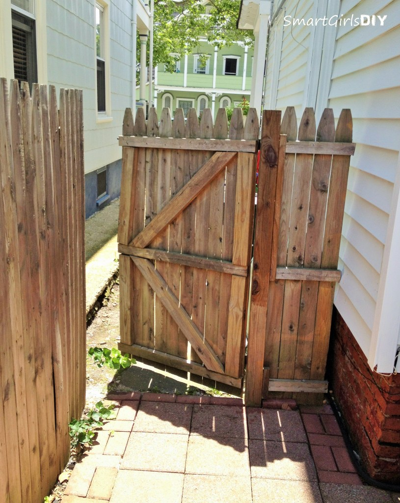 1st gate I ever built 11 years ago - Smart Girls DIY