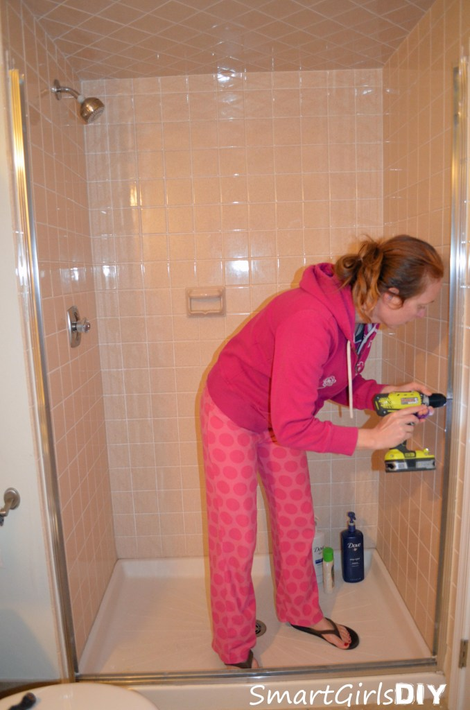 Removing shower door unit - Smart Girls DIY