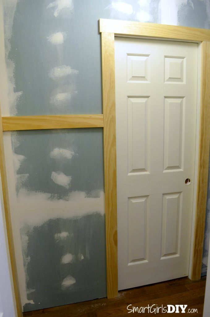 Smart Girls DIY - Completed pocked door installation