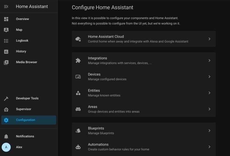 La pestaña Configuración se utiliza para configurar sus componentes.  Sin embargo, no todo se puede configurar de esta manera.  Debido a que Home Assistant tiene tantas integraciones, existen algunos tipos diferentes de configuraciones.  Algunos se pueden hacer aquí, desde el principio.  Otros deberán configurarse utilizando archivos YAML.