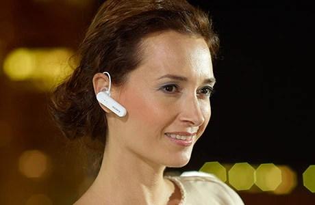 تعمل سماعة الرأس الأحادية Mono Bluetooth Headset MBH10 على منع الضوضاء والأصوات الأخرى في الخلفية